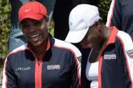 Venus and Serena all smiles at Fed Cup 2015. (Photo Source: it.scoresway.com)