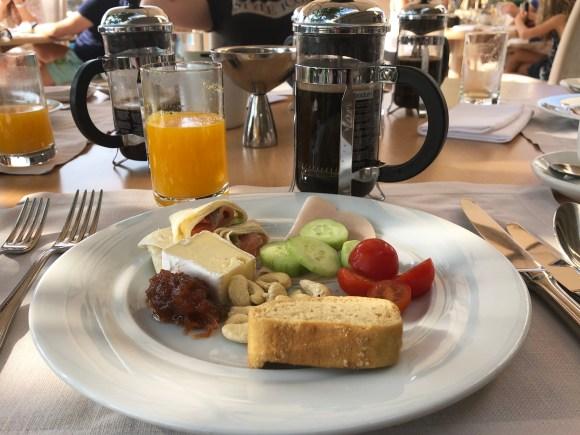 Sani Breakfast