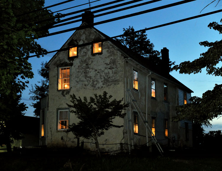 william tennent house at night