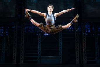 Iain Young in Newsies (Matthew Murphy)