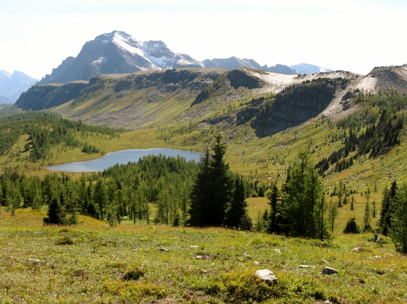 Looking back along The Ramparts to Monarch Mt