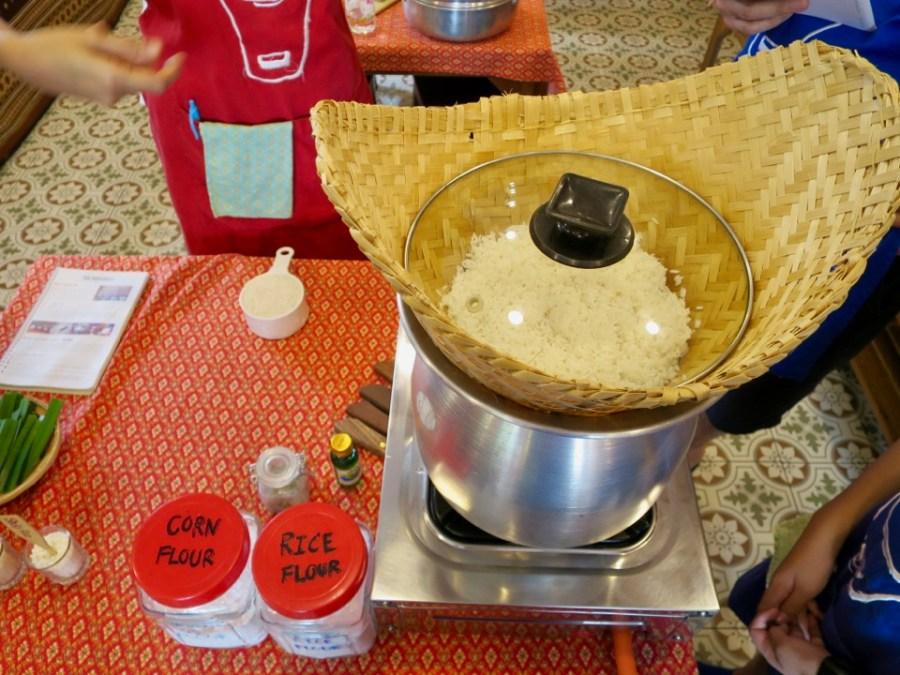 Making sticky rice