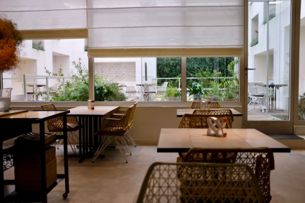 Disfrutar - dining room and outdoor, after-meal seating