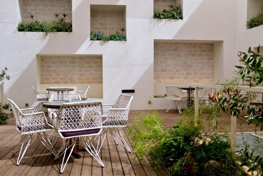 Disfrutar - Post meal outdoor seating