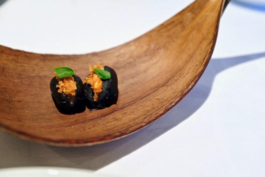 """Arzak - Urban Seafood """"talo"""" - squid ink, corn"""