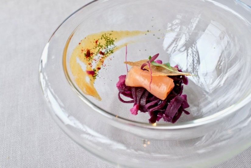 Le Jules Verne - Amuse bouche - salmon and cabbage