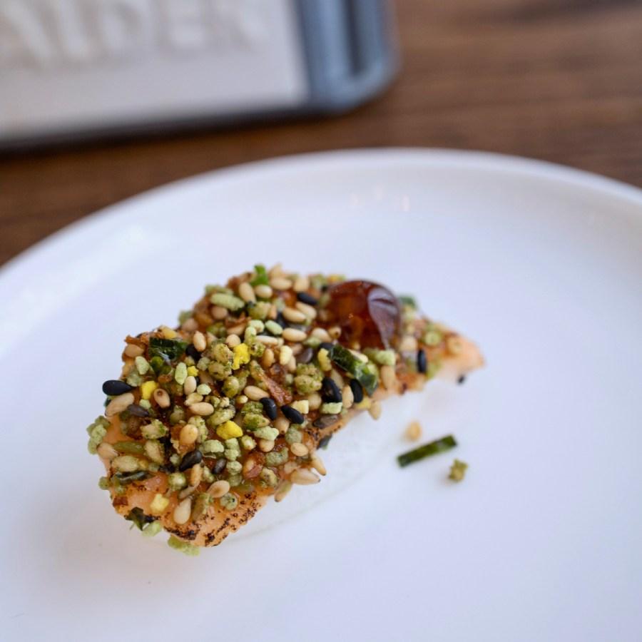 Daalder - Salmon meringue. Served with pink pepper & raspberry kombucha