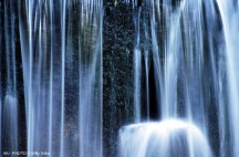 Agua. Cascada en Urdaibai.Basque Country. WU PHOTO © Willy Uribe Archivo Fotográfico Reportajes