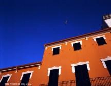 Casa naranja en Mallorca. islas Baleares. WU PHOTO © Willy Uribe Archivo Fotográfico Reportajes