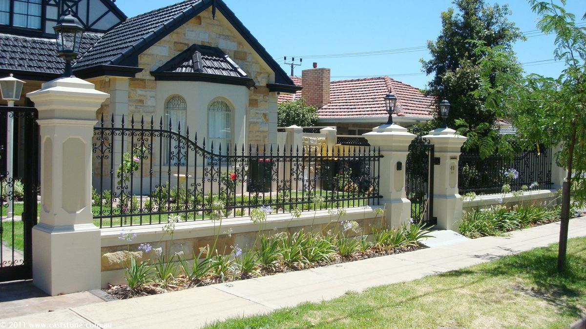 Merveilleux Fence Material Ideas For Simple Modern House Home Decor The Fence Material  Ideas For Simple Modern House Home Decor Outdoor Design Simple Modern Home  With ...