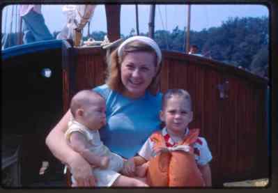 With Merle & Mark Wiltse aboard FIDDLE-DEE-DEE