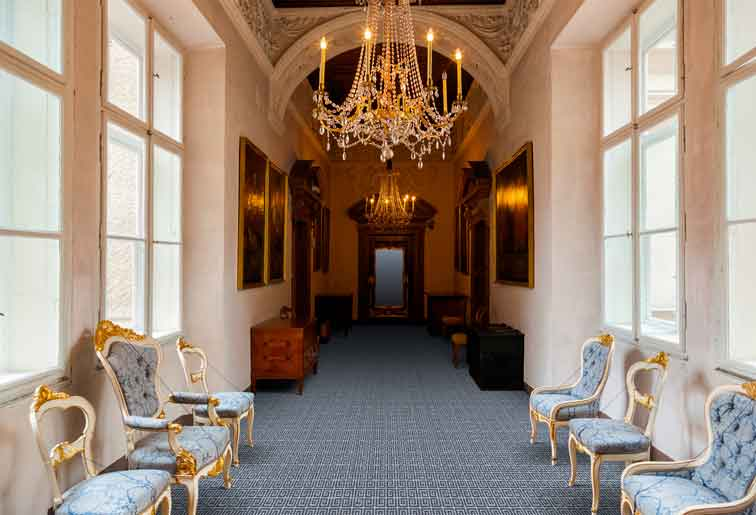 Mansion Fractalfrom the Mansion Bespoke Axminster Carpet range from Wilton Carpets