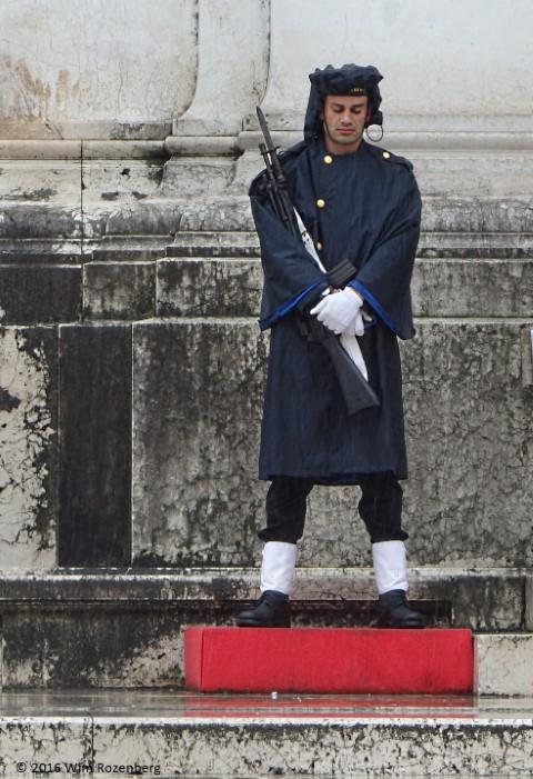wachter bij paleis victor emanuel Rome