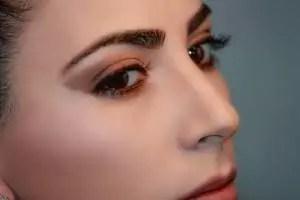 Augenbrauen-Serum