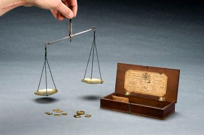 Apothecary s balance with steel beam and brass pans in woode Wellcome L0058880