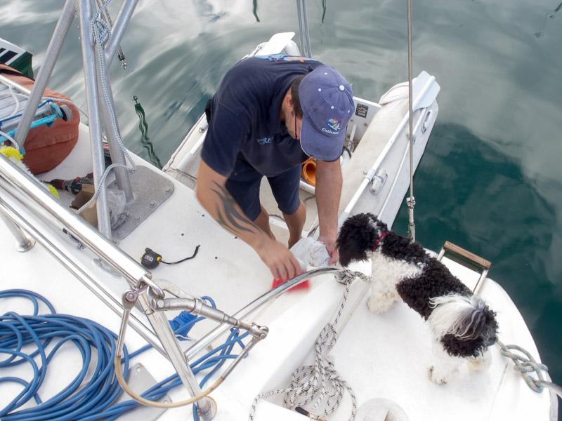 SailingGen: Bonnie und Dave bei der Vorbereitung für die Montage