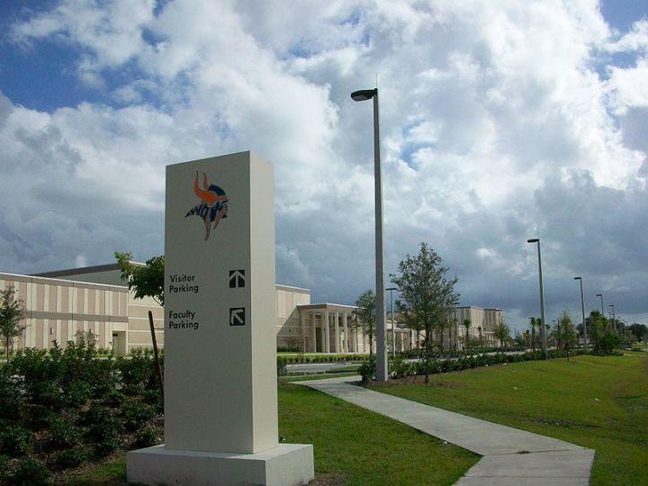 West Orange High School (1625 South Beulah Road, Winter Garden, FL), 2009 (photo by Eric Rustin)