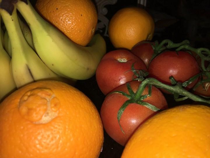 WinterGardenFarmer'sMarket-tomatoes7 w fruits