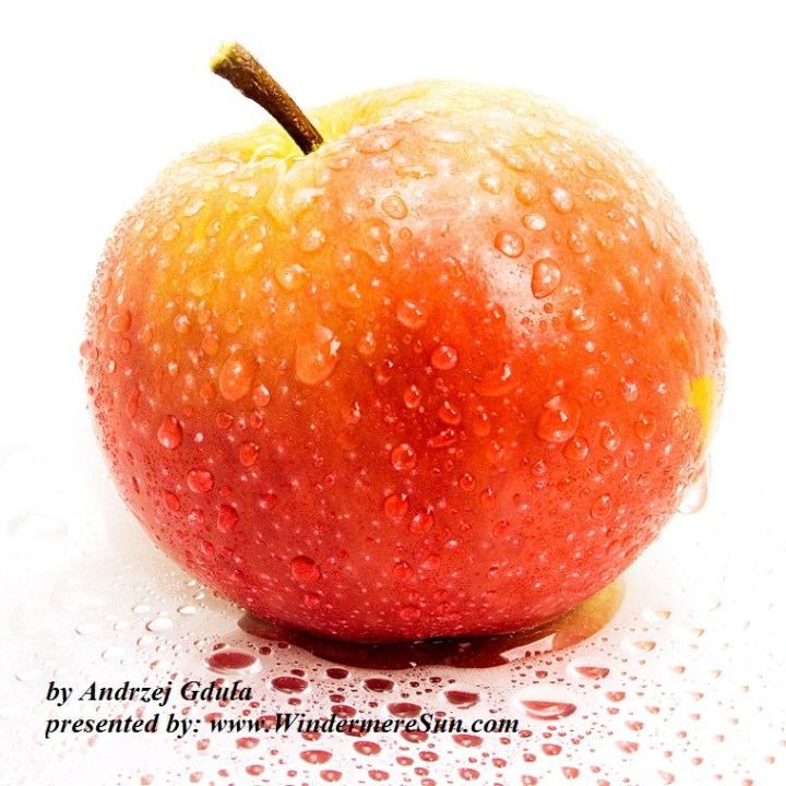 apple-whole-w-dew-1320868-freeimages-by-andrzej-gdula-final