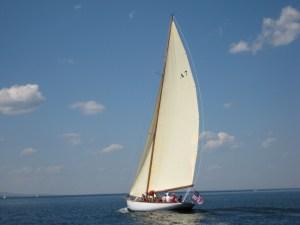 Mashnee - Restoring a Buzzard's Bay 30
