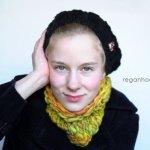 snuggly cowl, knitting pattern, cowl, free knitting pattern, ravelry, handspun yarn, Winding the skein,