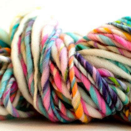 winding the skein, handspun yarns, thick and thin, super bulky, merino, yarn