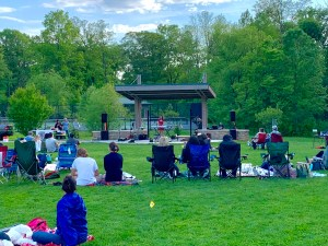"""A crowd pic from """"Winding Way Records presents Music In the Park"""" - May 15"""