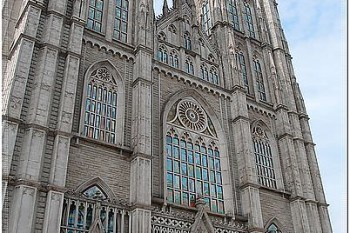 韓國,首爾自由行◆慶熙大學(경희대학교)之媽~我在韓國,不是在歐洲哪!