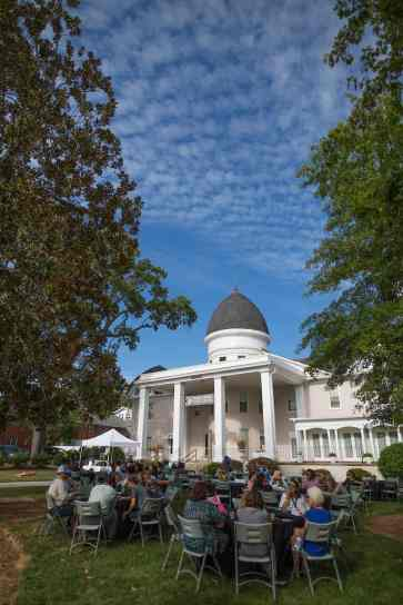 Attendees gather on the Wilkes Lawn for homecoming celebrations at Brenau University. (AJ Reynolds/Brenau University)