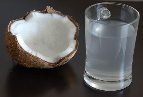 el agua de coco para beneficio de nuestra salud