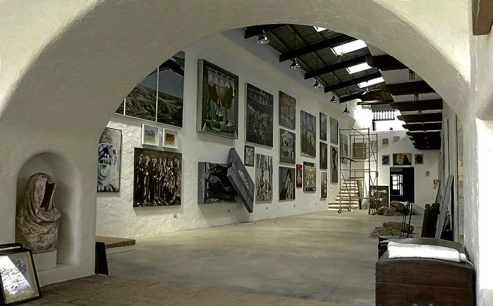 PINTO MUSEUM/15DEC2012 Pinto Museum of Dr. Joven Cuanang INQUIRER/JIM GUIAO PUNZALAN