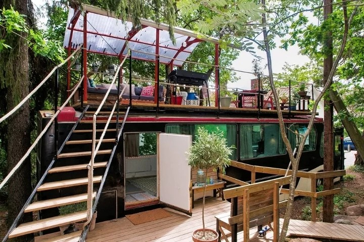 Quirky Airbnbs Bus Suite