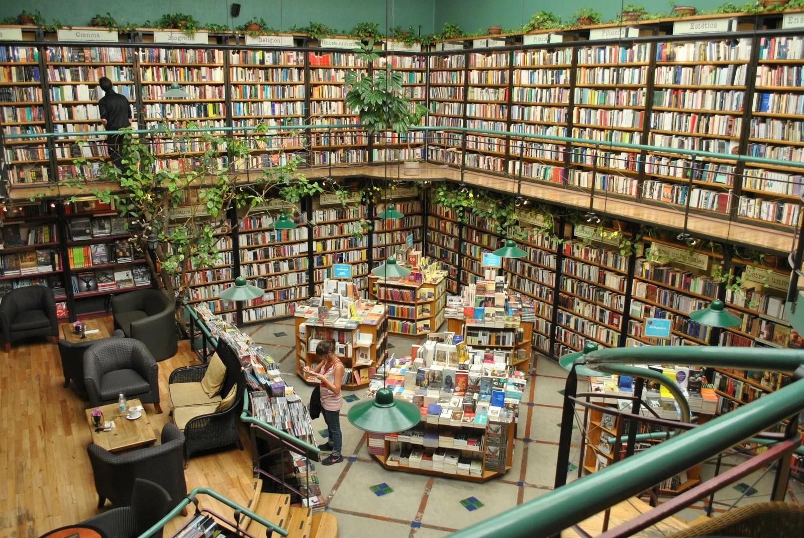 books_cafebreriaelpendulo
