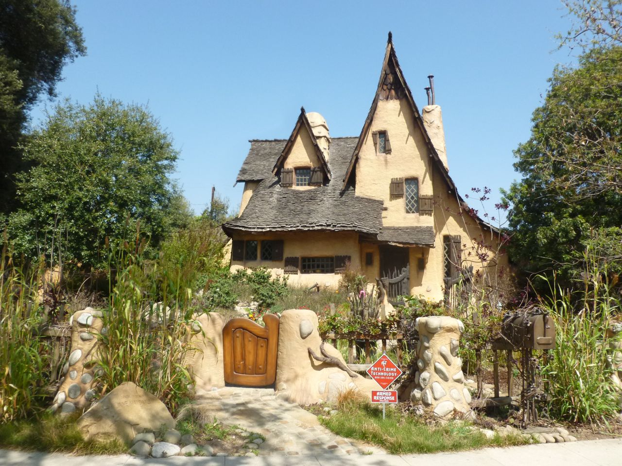 spadena-house-witchs-house-beverly-hills-5