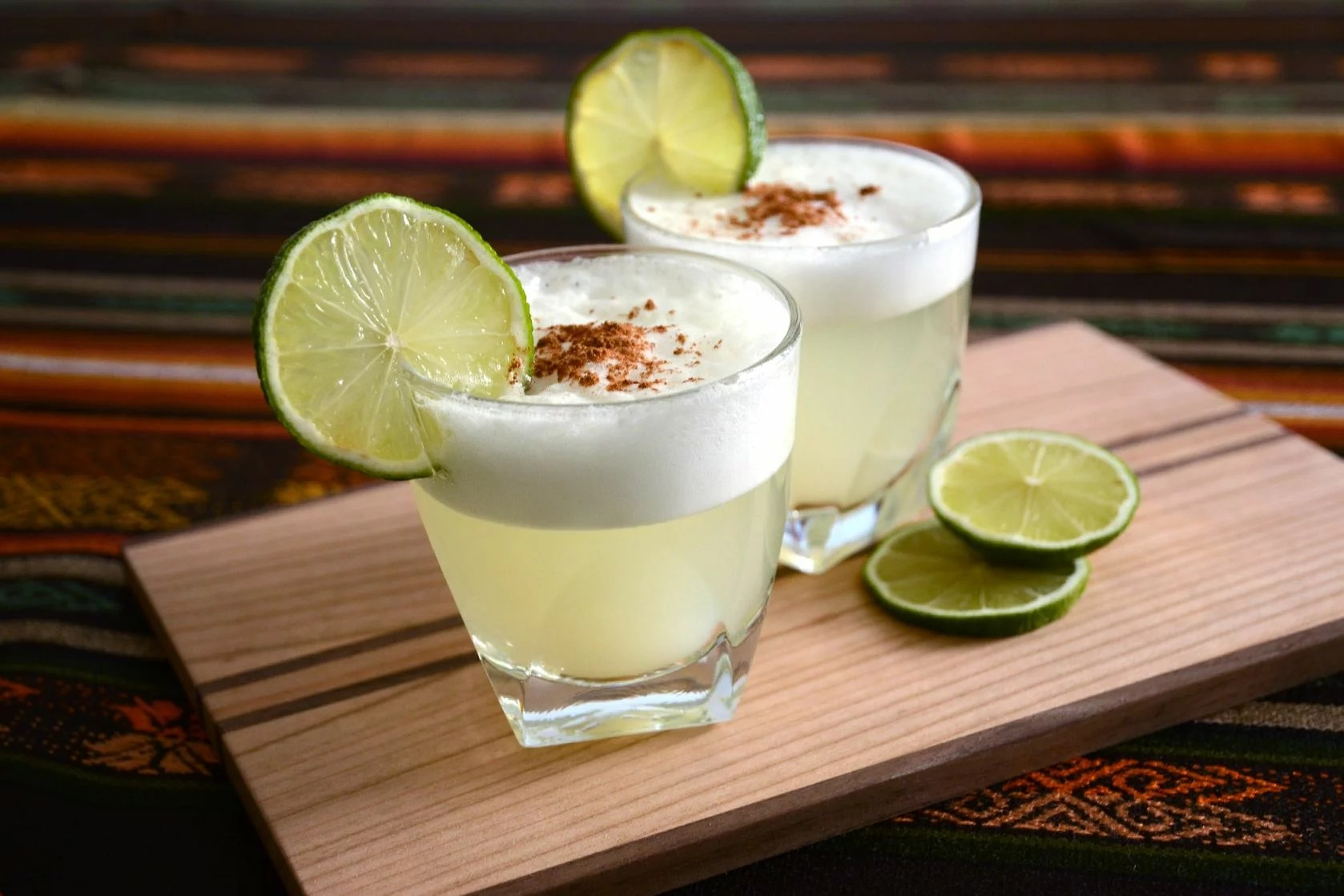 21169844 - cocktail from chile and peru pisco sour