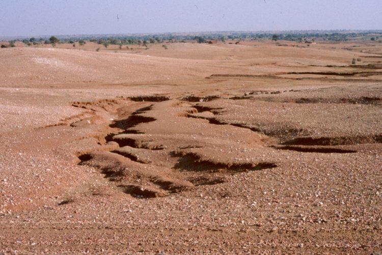 jenis-jenis tanah yang rawan terjadi erosi
