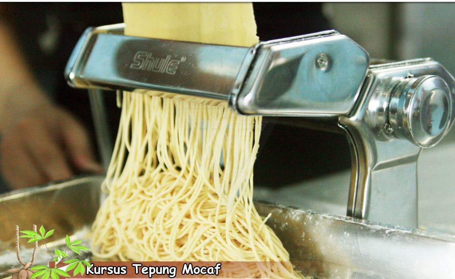 pembuatan mie dengan bahan tepung mocaf