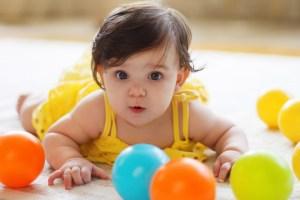 Read more about the article Ratusan Nama Bayi Perempuan Modern dan Islami Indah