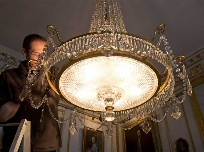 Chandelier Light Fixture Cleaning Service Company Companies Based In Los Angeles California