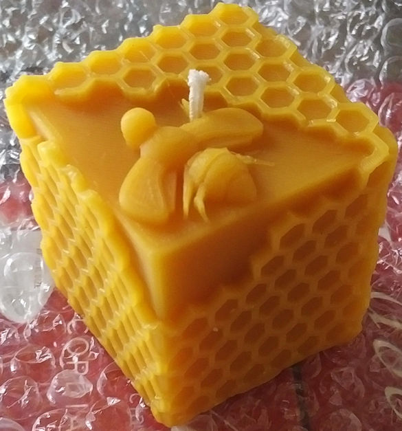 Macy's Apples & Hives beeswax candle