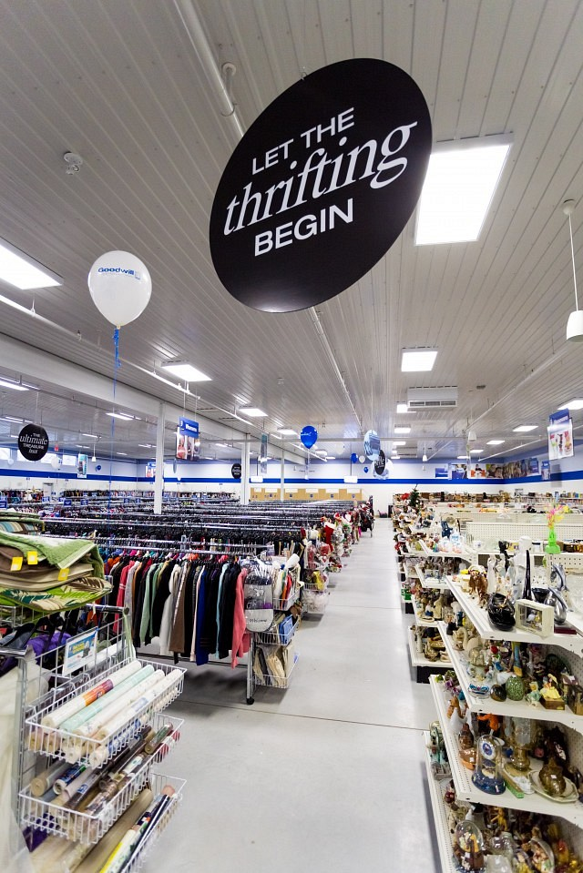 PHOTOS Windsors Largest Thrift Store Is Now Open WindsoriteDOTca News Windsor Ontarios