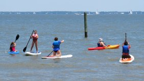 16 Various ways to paddle board