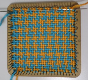 Weaving Layer 2, Color 1, Row 16.