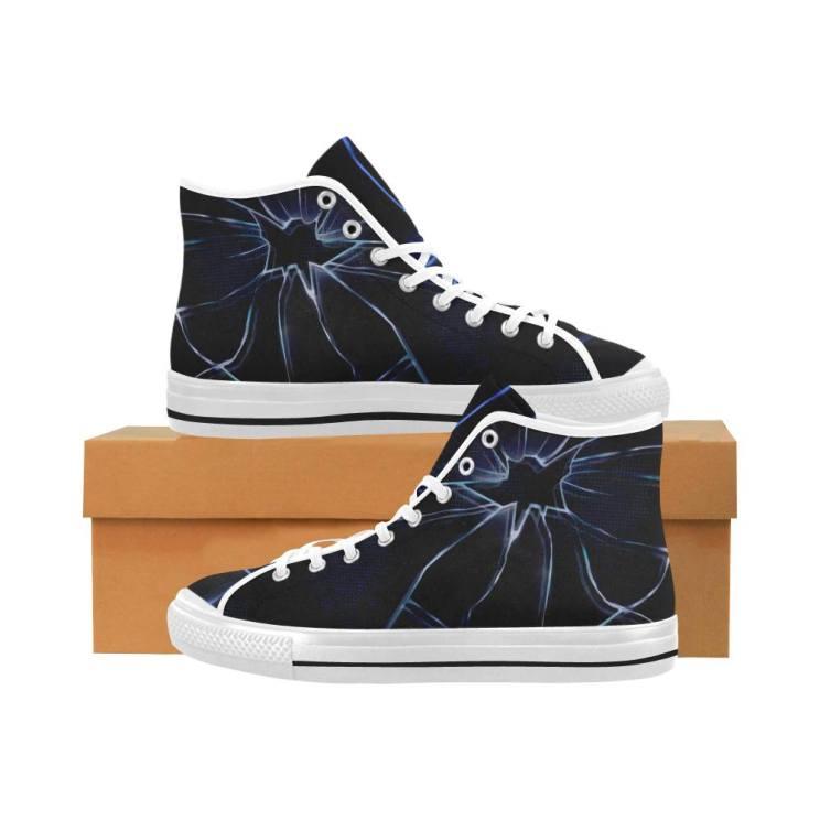 Zapatillas tipo Converse diseñadas por Pandovers especiales para la antología
