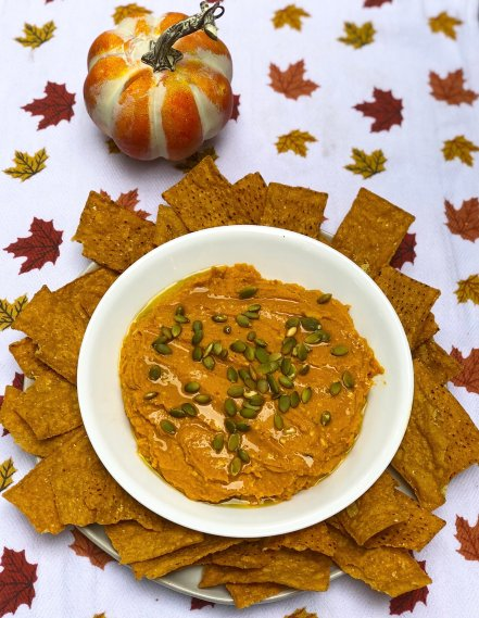 easy vegan white bean pumpkin dip with chipotle