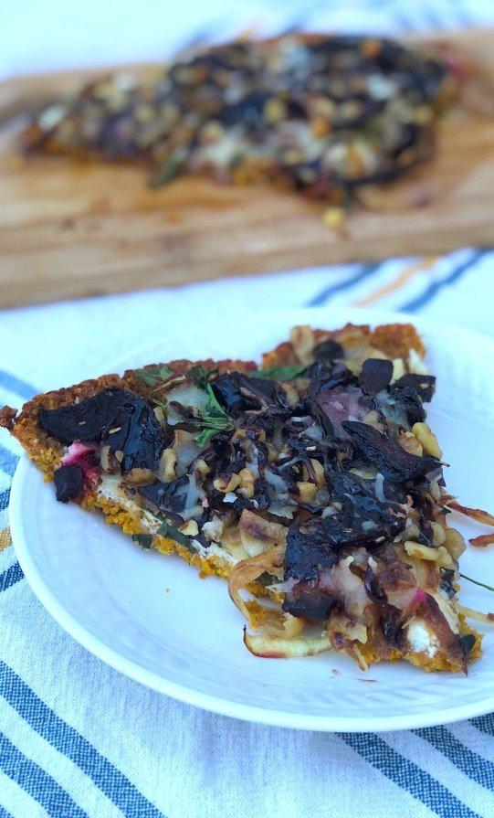 healthy veggie pizza with gluten free sweet potato crust
