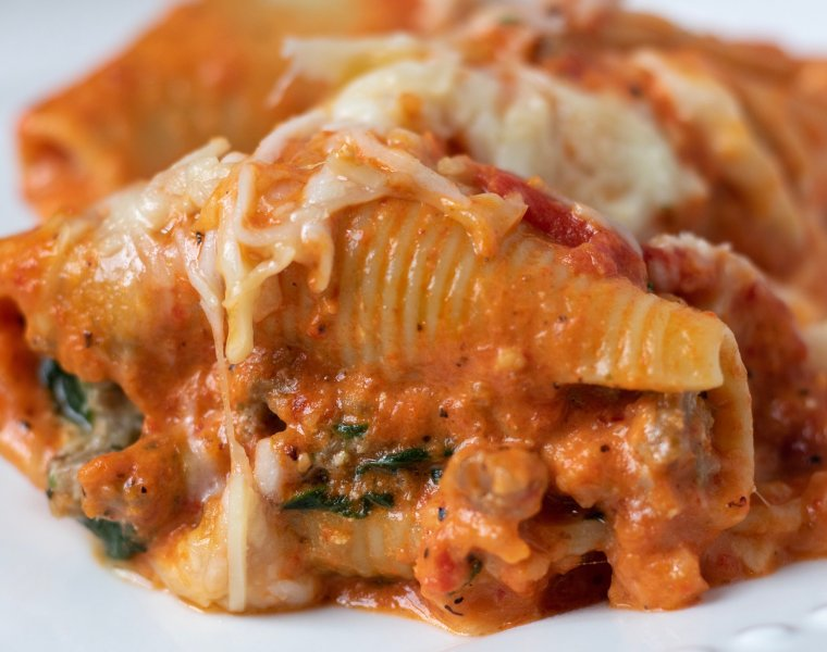 Sausage, Goat Cheese & Spinach Stuffed Shells with Creamy Red Pepper Sauce