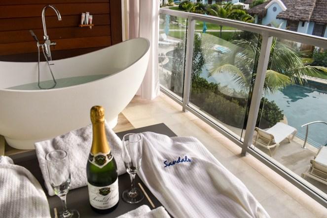 Sandals Royal Barbados | Travel Couple Blog | Caribbean | soaking tub