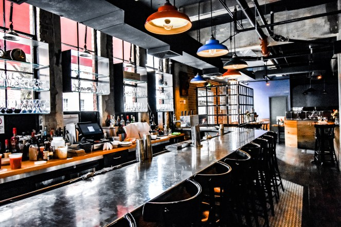 Philadelphia Weekend Guide | Sonesta Philly | Best Top things to do in the city | where to stay | food and drink | Restaurants | Italian Market Pizza Pizzeria | Fine Dining | Wine Bar | Blog Blogger Weekends | Outfit Brunch Spots | Lunch | Amis Trattoria