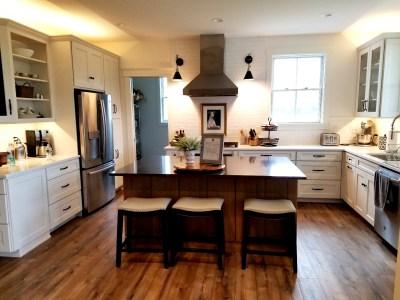 White Horse Winery Farmhouse kitchen. Wine Casual